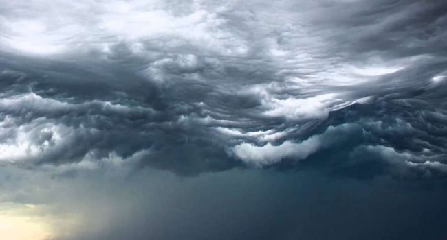 Погода в Украине: в «Укргидрометцентре» предупредили украинцев о буре