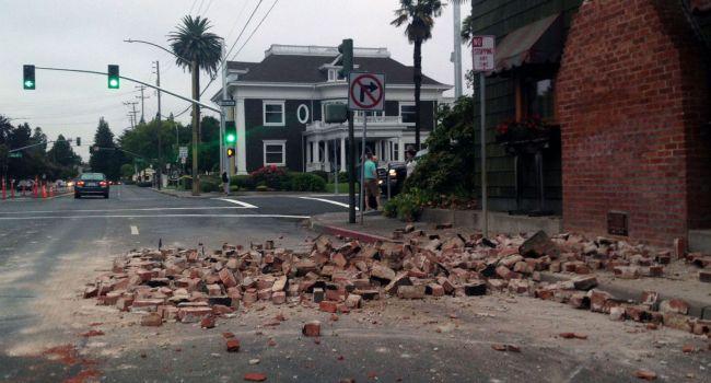 В Калифорнии введен режим ЧС из-за сильнейшего землетрясения