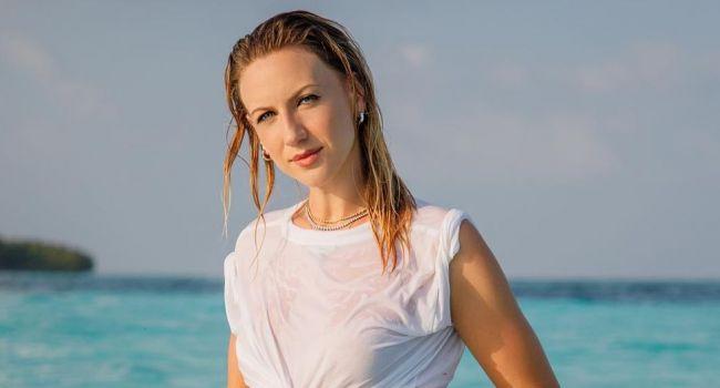 «Такая одинокая»: Леся Никитюк поужинала возле Везувия, вызвав жалость в сети