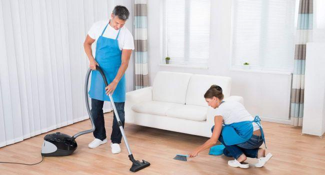 Мужчины и женщины одинаково относятся к уборке дома