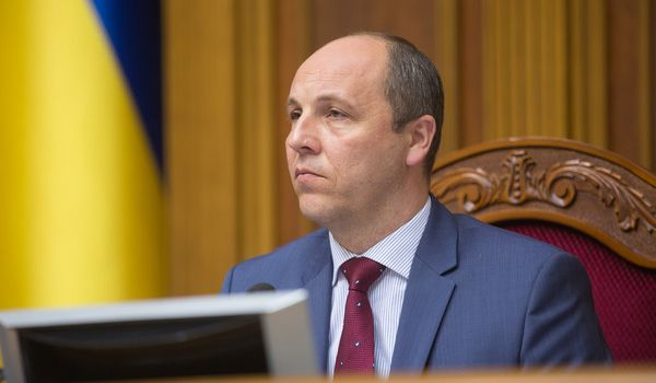 Отобрать лицензию у антиукраинских СМИ: Парубий экстренно обратился к Нацсовету из-за телемоста с Россией