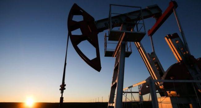 Тревожные прогнозы по росту мировой экономики толкают вниз нефтяные котировки