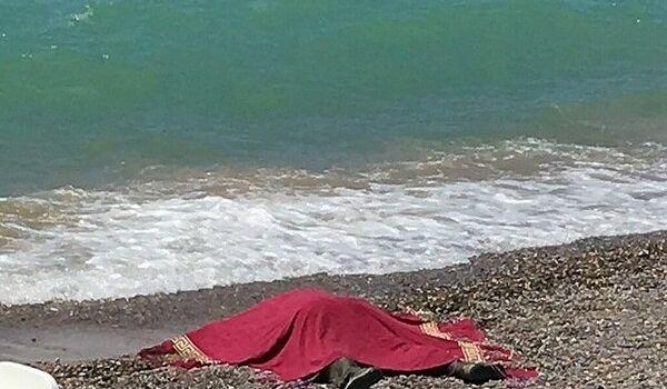 «Голова и кисти отделились от тела»: в Крыму на берег выбросило труп с гирей на ноге