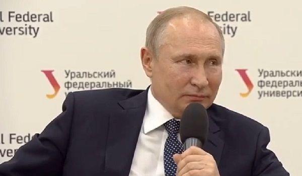 На встрече Путина со студентами произошел инцидент: «Поищите доктора»