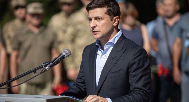 Зеленский отказался от проведения военного парада на День независимости Украины