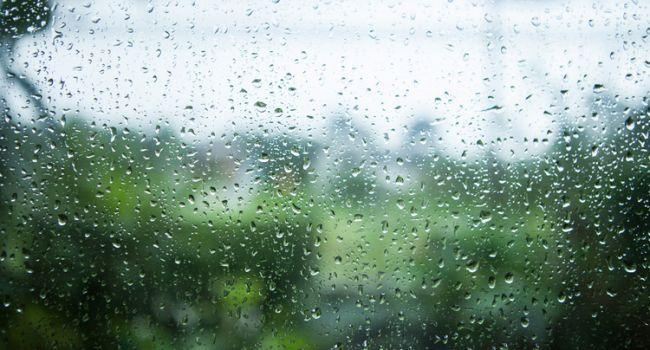 Дожди в Украине ещё долго не прекратятся