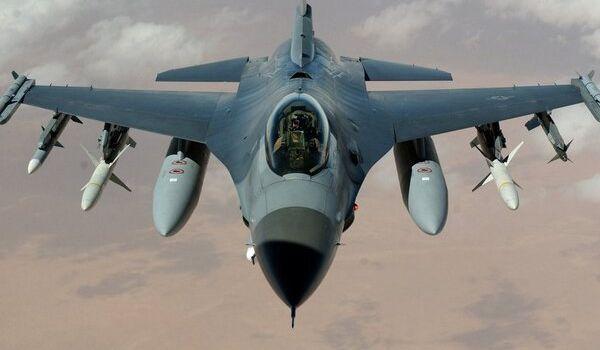 Украина может начать закупку мощнейших американских истребителей: подробности