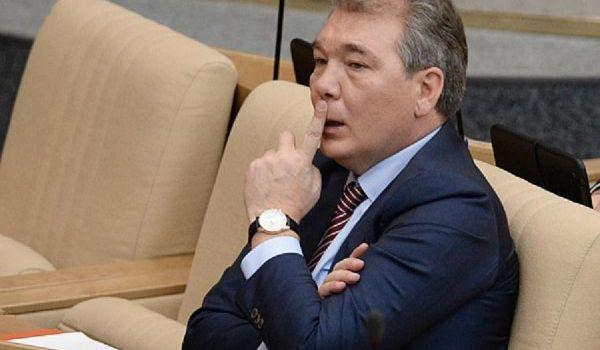 «Можем вразумить этих молодчиков»: депутат Госдумы пригрозил «усмирить» Грузию и Украину