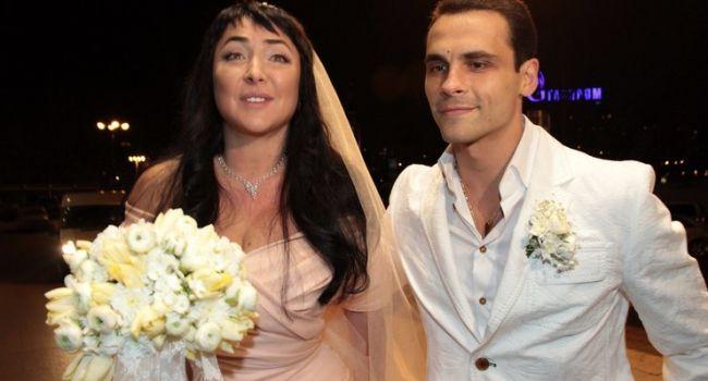 «Она болеет на алкоголизм»: в сети всплыл неожиданный факт о разводе Лолиты с пятым мужем