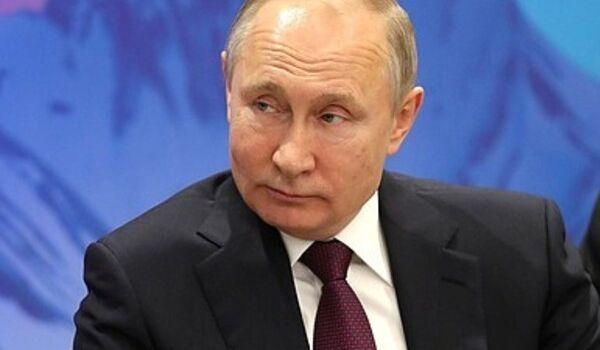 СМИ: в Кремле разрабатывают план сохранения Путина у власти после 2024 года