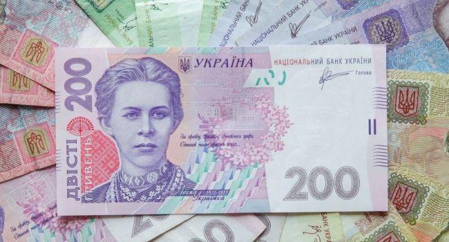 Гривна улучшила свои позиции в рейтинге самых недооцененных валют по индексу Биг-Мака - сегодня она недооценена на 61,3 процента