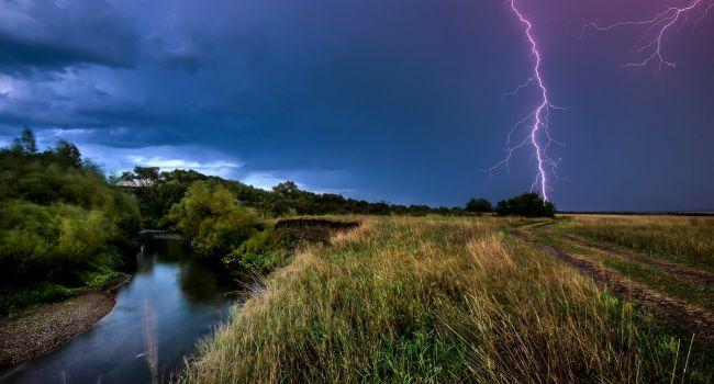 Всего +9 и грозовые дожди: синоптики снова огорошили прогнозом