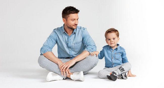 «Милота фото зашкаливает»: Сергей Лазарев порадовал снимком со своим подросшим сыном