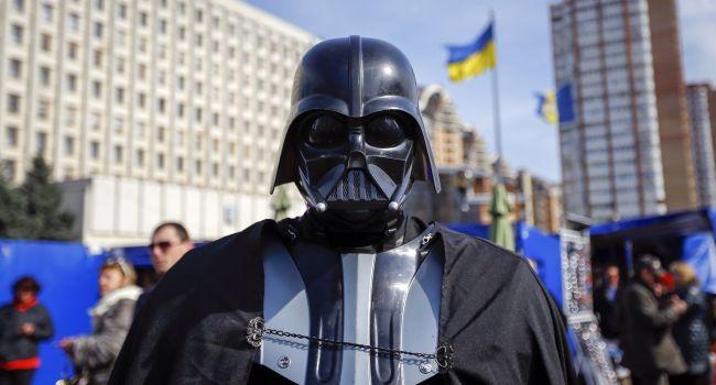 Депутат Дарт Вейдер впервые показал свое лицо публично