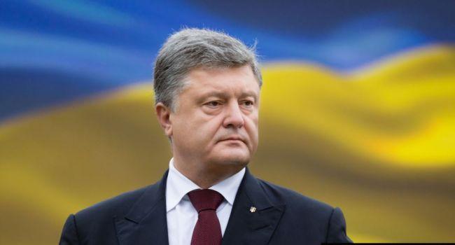 «Ти уже 5 років тому обіцяв, що зупинеш війну»: Порошенка засоромили українці за його фото з виборчої дільниці