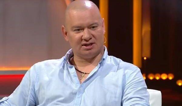 «За вас, пацани!»: Кошевой на избирательном участке озадачил сеть футболкой стоимостью 600 евро