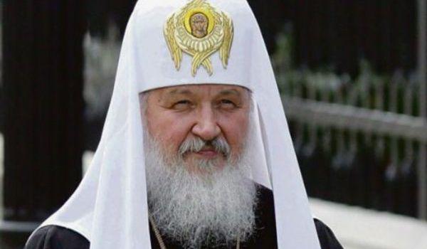 «И кого он боится, что кортеж такой?»: в России раскритиковали патриарха Гундяева за его выходку