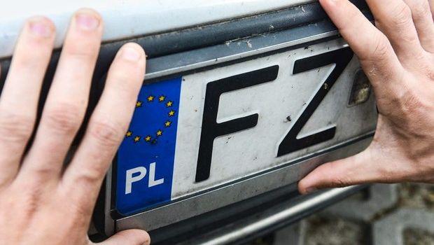 Назаренко подсказал Зеленскому, как можно решить проблему с «евробляхами»
