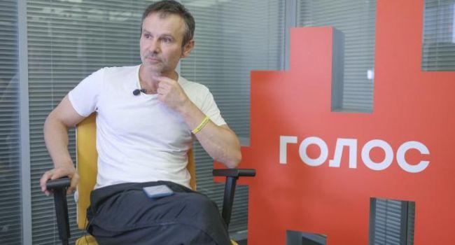 Блогер: Вакарчук «утопил» партию, его надо было не выпускать на эфиры как не пускали Зеленского перед президентскими