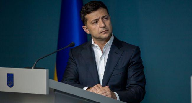 Романенко: если Зеленский начнет посадки до местных выборов, то он получит на местах столько же, а возможно, еще больше голосов