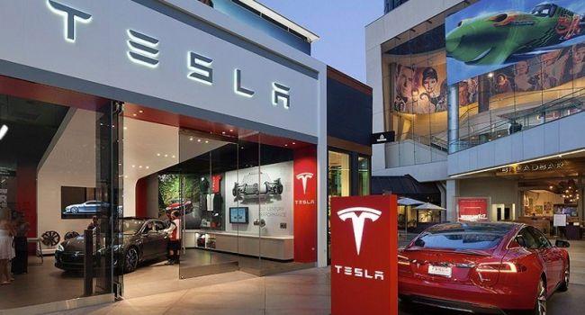 Уход главного инженера и огромные убытки - перспективы компании Tesla пока видятся достаточно мрачными