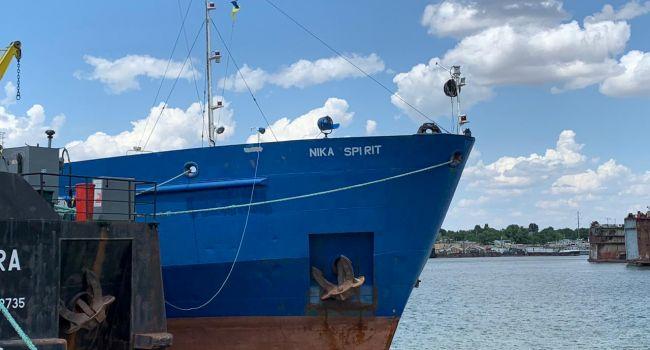 Юрий Луканов озвучил две версии, почему российский танкер сам зашел в Измаил в руки СБУ