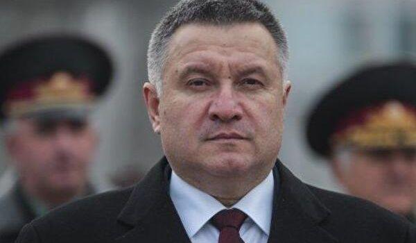 «Нет другого выхода»: Аваков предъявил громкие претензии Порошенко, фактически присягнув на верность Зеленскому