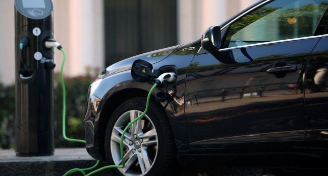Власти Эстонии хотят стимулировать продажи электрокаров и авто на водороде с помощью субсидий в 5 тысяч евро