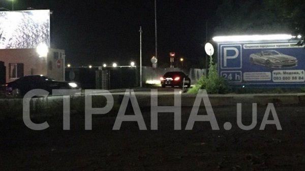 Петр Порошенко этой ночью вернулся в Украину: СМИ показали фото и видео