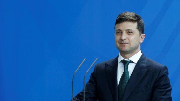 «Патриотический флешмоб от Зеленского»: президент призвал ярко провести государственный праздник