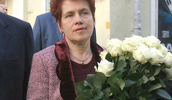 «До Межигорья не дотягивает, но тоже ничего»: журналисты показали поместье Людмилы Янукович