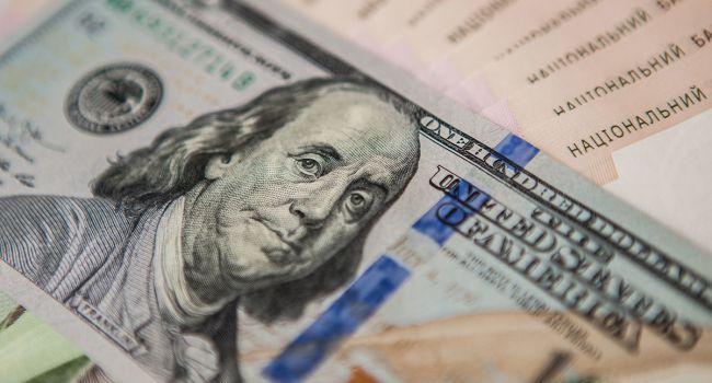 Украинская гривна сильнее всего укрепилась относительно доллара, по сравнению с остальными мировыми валютами