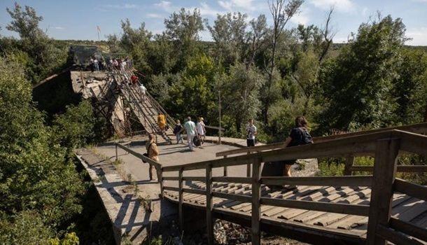 В Станице Луганской не могут приступить к ремонту моста