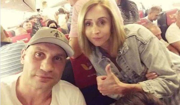 Киев остался без мэра: Кличко покинул Украину