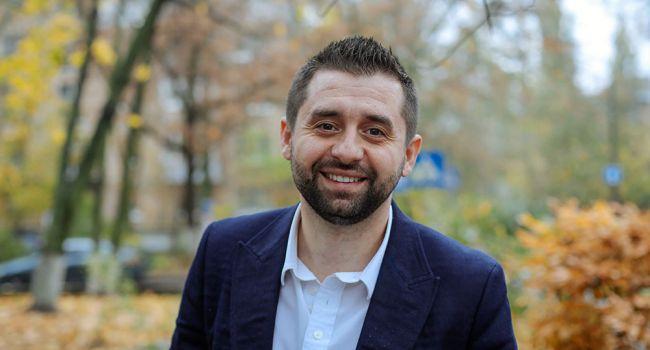 Журналист: «Если этот персонаж станет главой фракции «Слуга народа», заместителем нужно назначить Олешко»