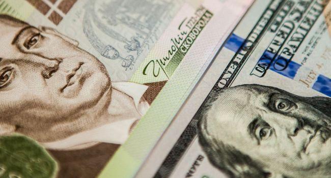 В текущем году будет два периода, когда курс гривны серьезно просядет относительно доллара - Гарбарук