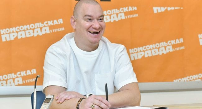 «Ну, а шо поделаешь, когда президент еще зеленый в политике»: Кошевой призвал украинцев придумать шутки о новой власти