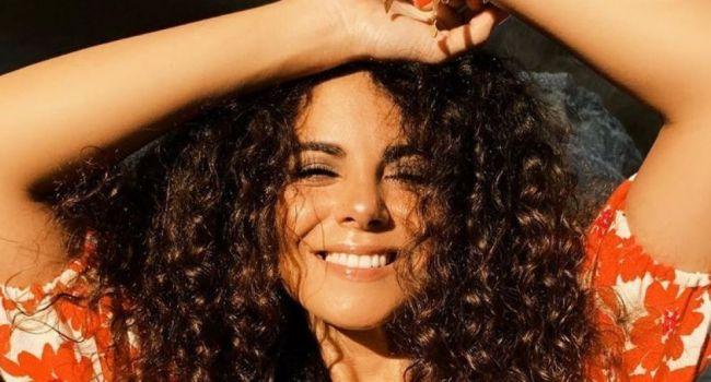 «Глаз не оторвать, можно влюбиться в эту шикарную женщину»: Настя Каменских взорвала сеть новой фотографией с отдыха