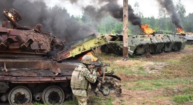 Украинские разведчики уничтожили «врага» на Донбассе: обнародовано видео стрельбы из БМП, горящих танков и военной авиации