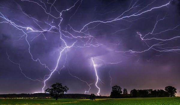 Жара и сильные грозы: синоптики предупредили о непростой погоде в ближайшие дни