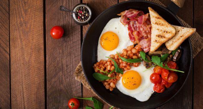 Диетологи назвали лучшие продукты для завтрака
