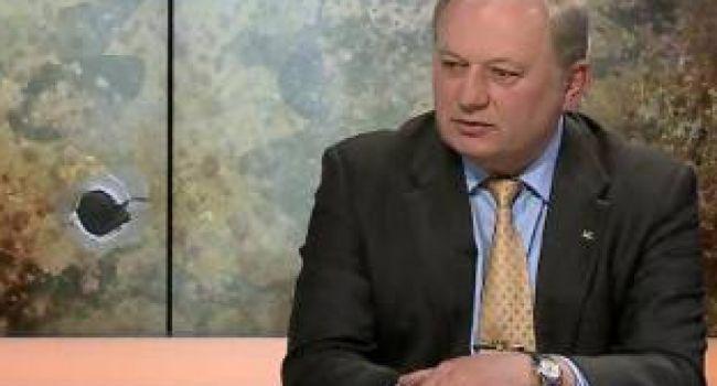 """Гаращук считает, что Зеленский """"становится Верховным главнокомандующим"""""""