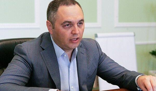 «Ваша воровская партия и за*роченный канал»: скандальный Портнов подал очередной иск против Порошенко