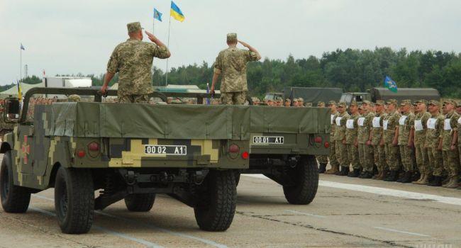 Эксперт: плохой парад Порошенко «отреформировали» и таки решили проводить