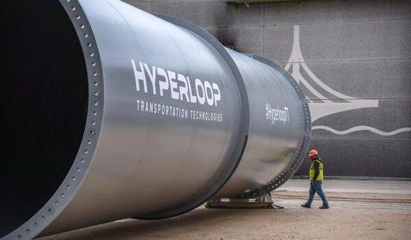 «Hyperloop – это вздор»: у Зеленского раскритиковали идею Омеляна
