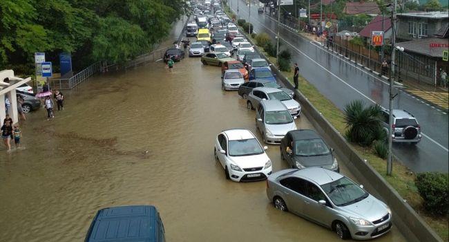 В Сочи началась масштабная эвакуация: метеорологи предупредили о сильнейшим шторме и смерче