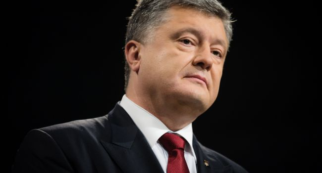 «Сломать всё порочную систему»: Азаров призвал наказать Порошенко