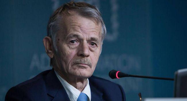 Украина пока не может самостоятельно вернуть Крым, и дело здесь не в Зеленском - мнение