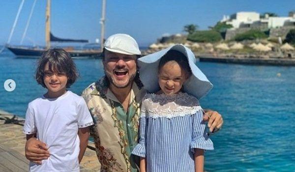 «С сединой очень красиво»: Филипп Киркоров показал новое фото с детьми, шокировав поклонников постаревшим видом