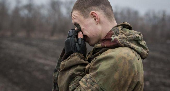 «Из-за неосторожного обращения с оружием»: на Донбассе погиб боец ООС, три получили ранения